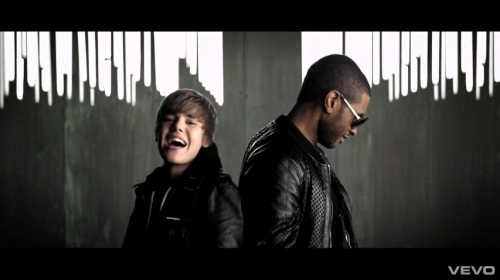 Justin Bieber e Usher em Somebody To Love